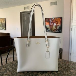 Coach Bags - Authentic Coach leather Mollie Tote